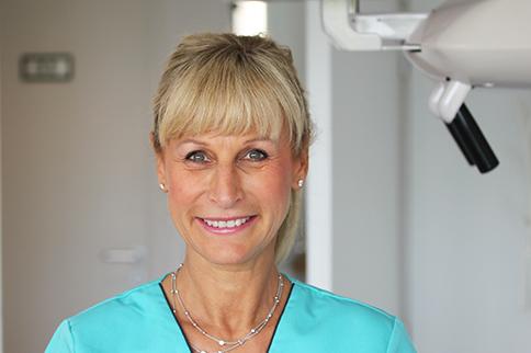 Dr. Martine Zisserman
